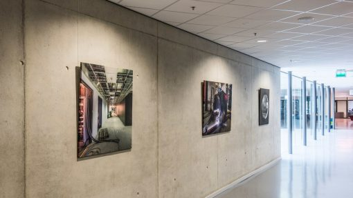 Artiteq Top rail university picture hanging systems