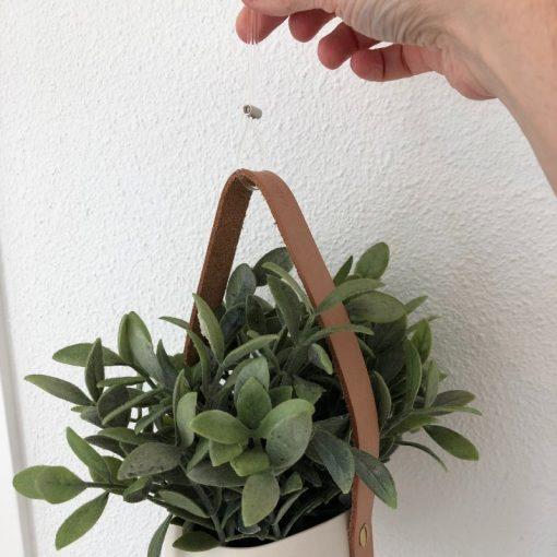 Artiteq Loop Maker hanging a pot
